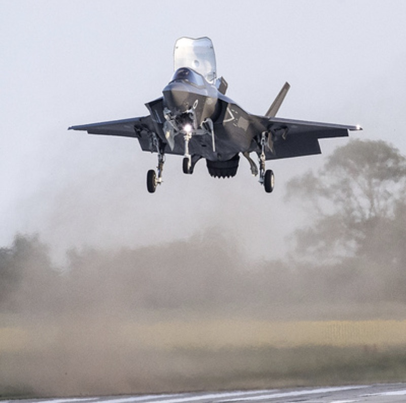 BAE Systems F35 landing