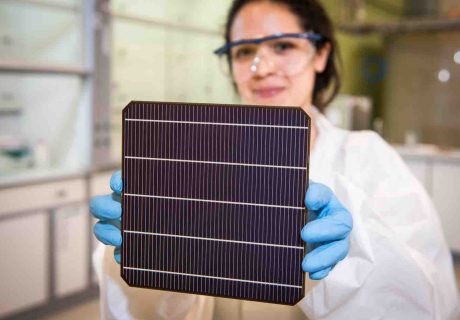 Oxford PV_commercial sized perovskite-silicon solar cell at Oxford PV's industrial site in Germany
