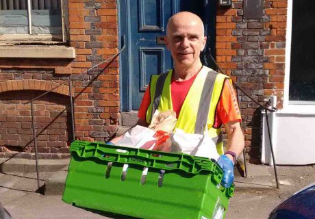 The Wantage Mix – Volunteer Gary delivering[3]