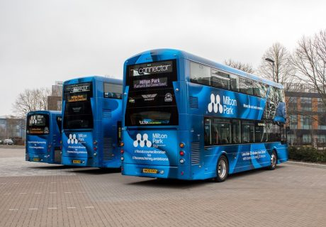 thames-travel-and-milton-park-new-bus-liveries-showing-what3words-start-and-fin