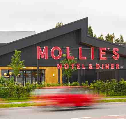 Mollies Hotel and Diner in Bristol