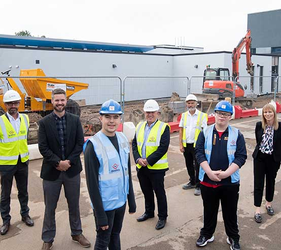 Coventry SEN school students help Deeley Construction complete major extension at their school