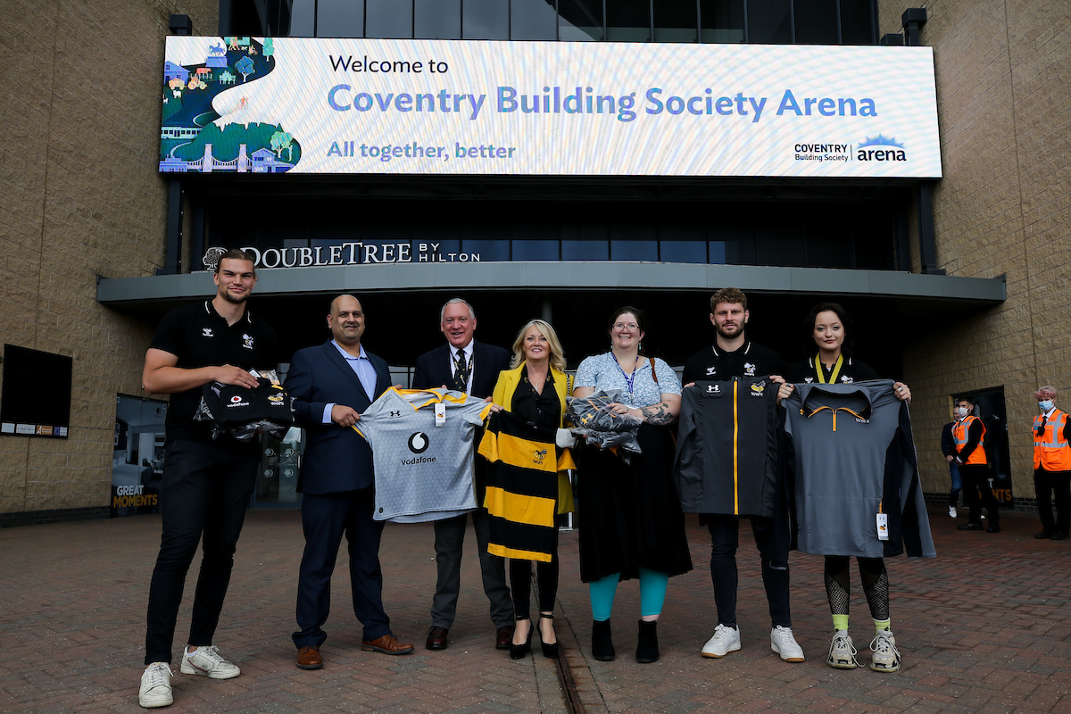 Wasps Rugby donate merchandise in support of Carriers of Hope